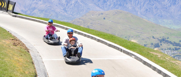 A family Luge racing